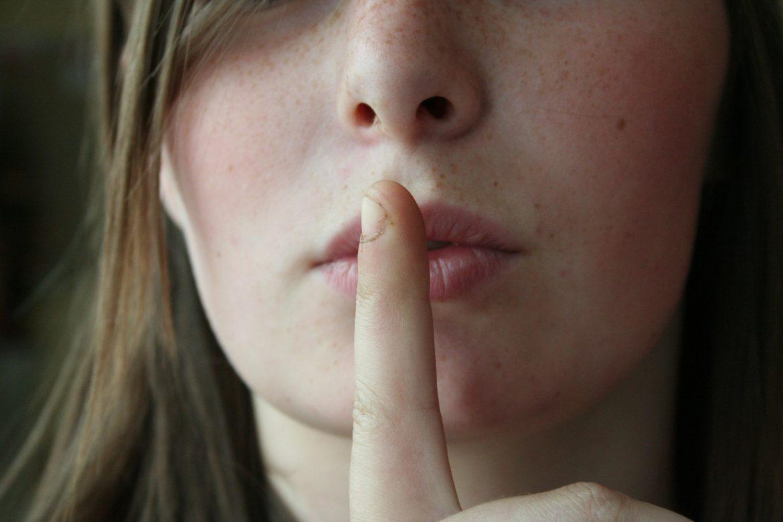 Le poids des secrets dans nos relations.
